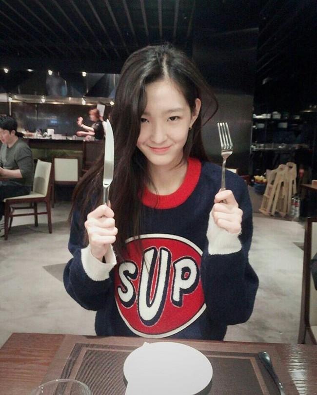 Cặp mẫu sinh đôi nhà YG khiến netizen đảo điên vì quá đẹp! - Ảnh 11.