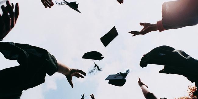 Hành trang của một sinh viên trước khi tốt nghiệp - Ảnh 1.
