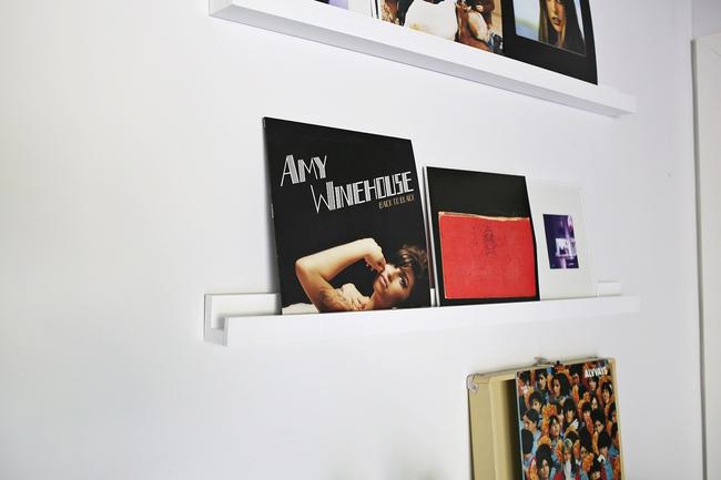 Kệ treo tường siêu mỏng dành cho nhà hiện đại - Ảnh 7.