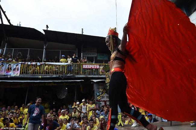 Tù nhân LGBT tại Philippines thả dáng trong cuộc thi sắc đẹp Hoa hậu hoàn vũ - Ảnh 8.