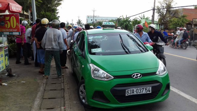 Nghi án ngáo đá cướp taxi Mai Linh tại Tiền Giang - Ảnh 2.