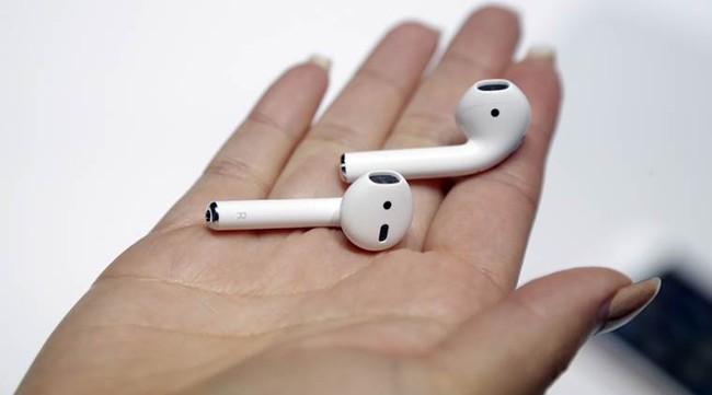 Làm thế nào để giải quyết rắc rối iPhone 7 không thể vừa sạc pin vừa nghe nhạc? - Ảnh 1.