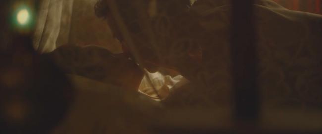 Đây là cảnh nóng đầu tiên trên màn ảnh của Minh Hằng! - Ảnh 3.