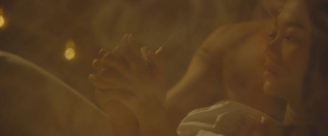 Đây là cảnh nóng đầu tiên trên màn ảnh của Minh Hằng! - Ảnh 4.