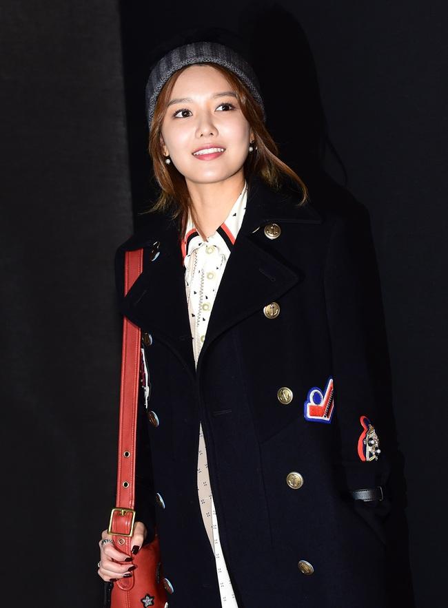 Xúng xính cùng sao Hollywood, Sooyoung được báo Vogue khen hết lời vì mặc đẹp - Ảnh 7.