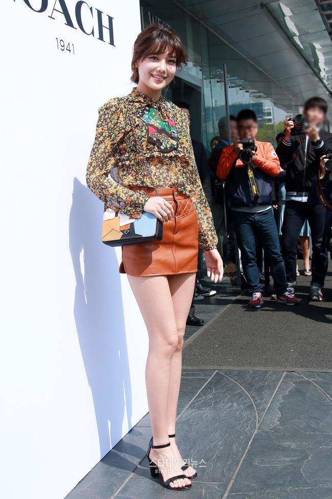 Xúng xính cùng sao Hollywood, Sooyoung được báo Vogue khen hết lời vì mặc đẹp - Ảnh 10.