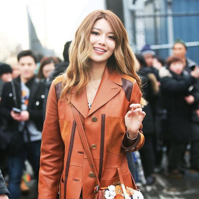 Xúng xính cùng sao Hollywood, Sooyoung được báo Vogue khen hết lời vì mặc đẹp - Ảnh 14.