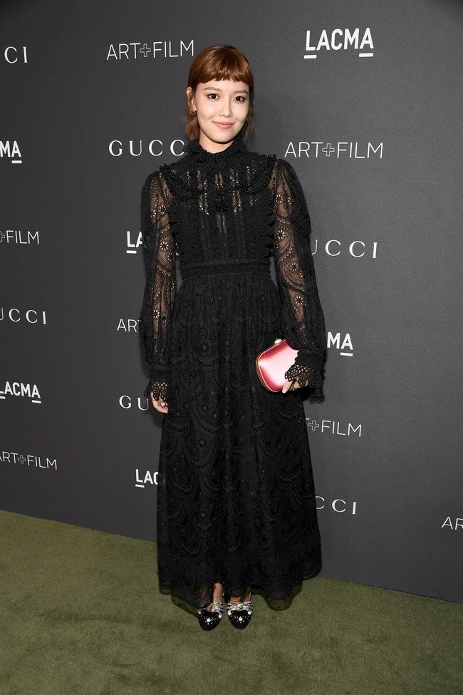 Xúng xính cùng sao Hollywood, Sooyoung được báo Vogue khen hết lời vì mặc đẹp - Ảnh 15.