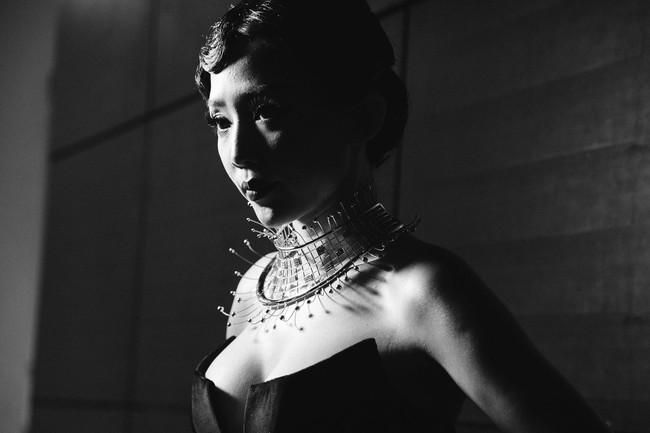 Lạc vào miền đất thời trang tuyệt mỹ của hậu trường Vietnam International Fashion Week - Ảnh 13.