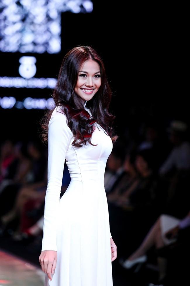 Thanh Hằng: Nữ hoàng chưa người thay thế trên sàn catwalk Việt - Ảnh 5.
