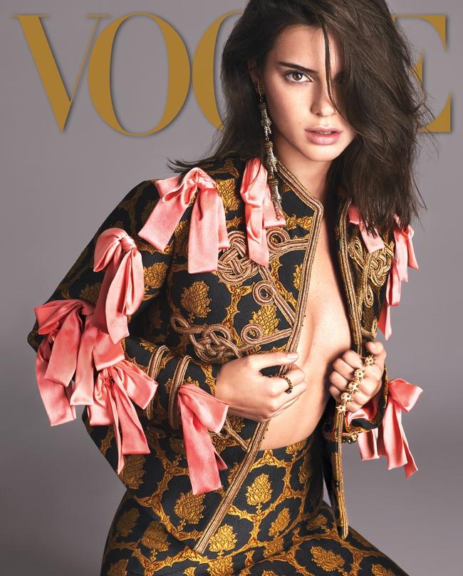 2016 - năm mà cả thế giới thời trang phải phủ phục trước đại gia đình Kardashian! - Ảnh 5.