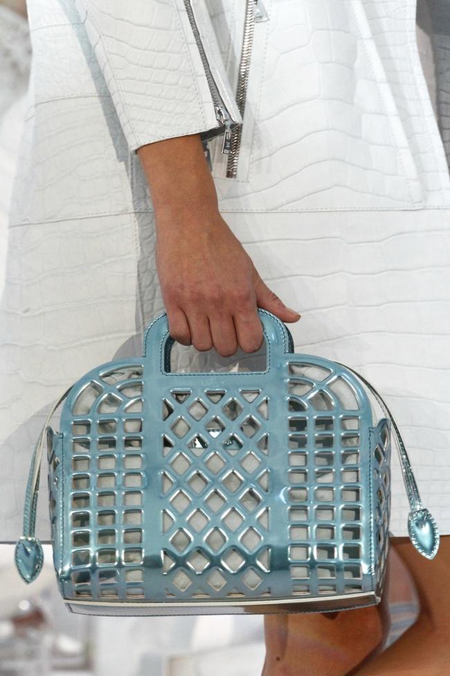 Thời nay, cái làn đi chợ & túi đựng chăn của các mẹ cũng thành hàng hiệu bán vài trăm triệu được - Ảnh 8.