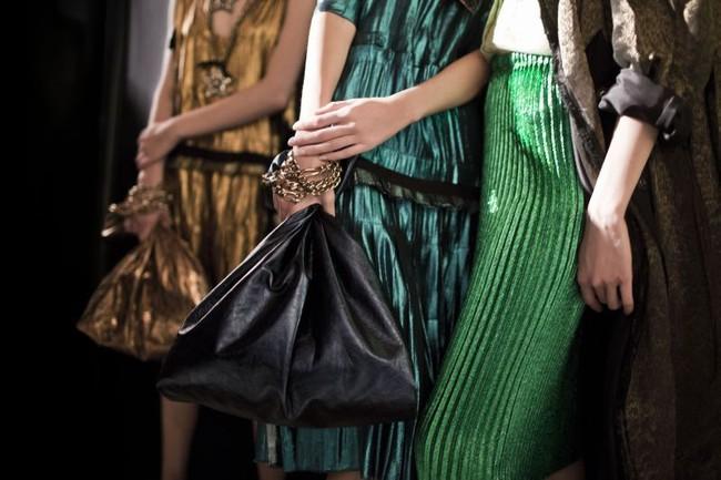 Thời nay, cái làn đi chợ & túi đựng chăn của các mẹ cũng thành hàng hiệu bán vài trăm triệu được - Ảnh 16.