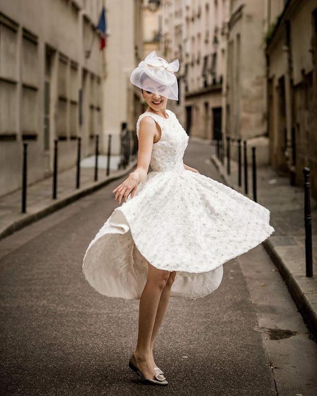 Ngắm trọn bộ 7 chiếc váy cưới, 4 bộ áo dài cùng loạt phụ kiện xa xỉ của cô gái thời tiết Mai Ngọc - Ảnh 16.