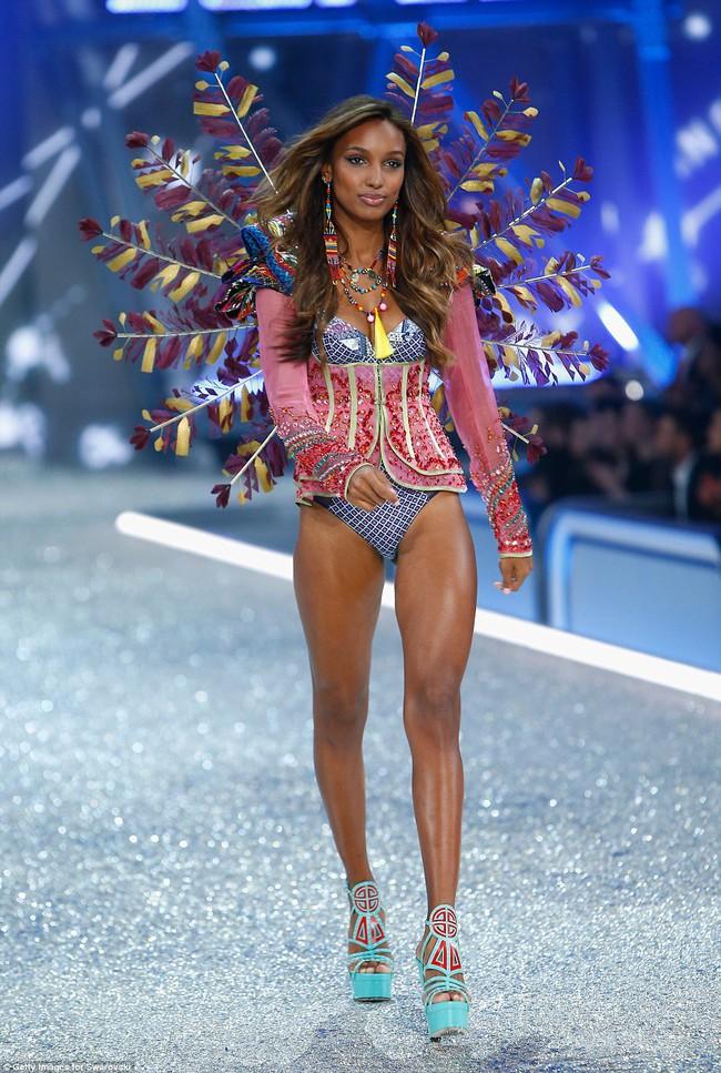 Bất ngờ: Siêu mẫu châu Á có thu nhập đánh bật cả các Thiên thần Victorias Secret! - Ảnh 10.
