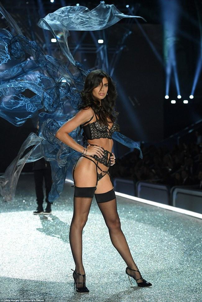Bất ngờ: Siêu mẫu châu Á có thu nhập đánh bật cả các Thiên thần Victorias Secret! - Ảnh 14.