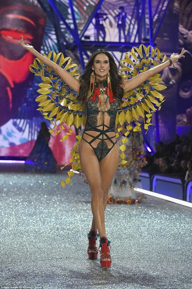 Bất ngờ: Siêu mẫu châu Á có thu nhập đánh bật cả các Thiên thần Victorias Secret! - Ảnh 3.