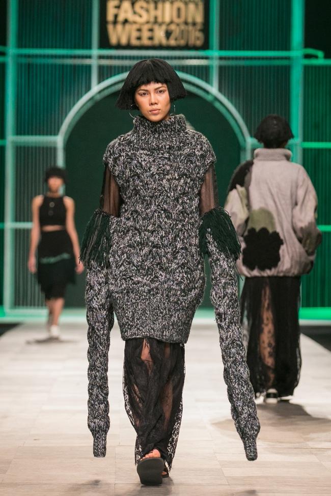 Hoa khôi Nam Em mở màn Tinh khôi - BST cuối cùng của Vietnam International Fashion Week - Ảnh 40.