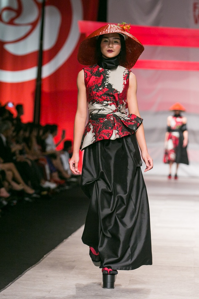 Hoa khôi Nam Em mở màn Tinh khôi - BST cuối cùng của Vietnam International Fashion Week - Ảnh 8.