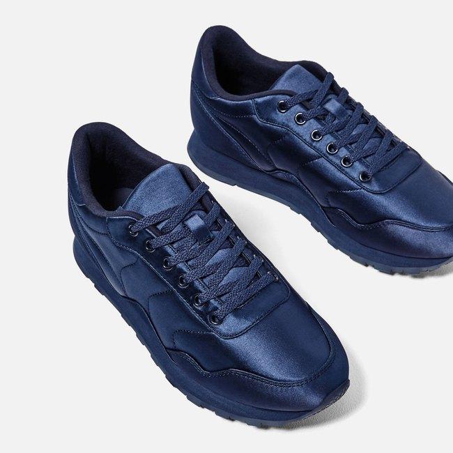 Zara ra mắt sneaker chất liệu satin, liệu đây có phải kiểu sneaker sẽ gây bão trong năm 2017? - Ảnh 1.