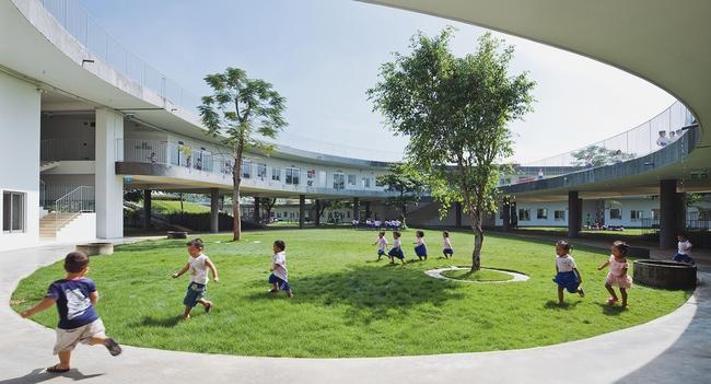 Không cần đi đâu xa xôi, Việt Nam cũng có rất nhiều ngôi trường với kiến trúc siêu ấn tượng! - Ảnh 16.