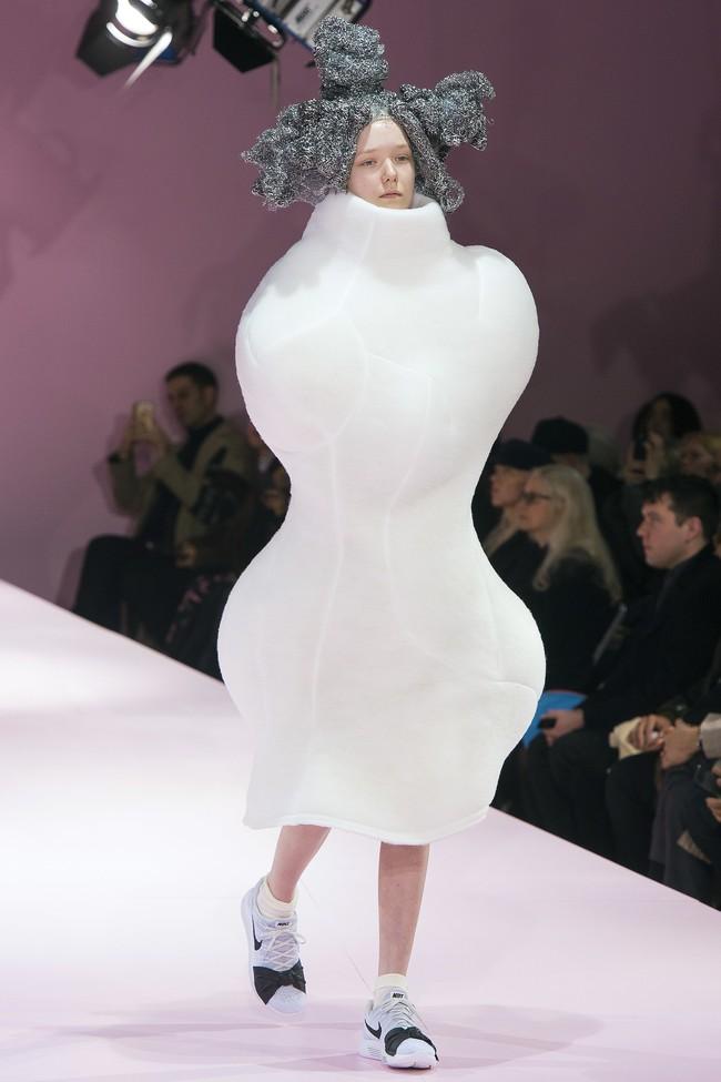 Đúng dự đoán, Dior out khỏi Top những bộ sưu tập xuất sắc nhất Tuần lễ thời trang Paris - Ảnh 47.
