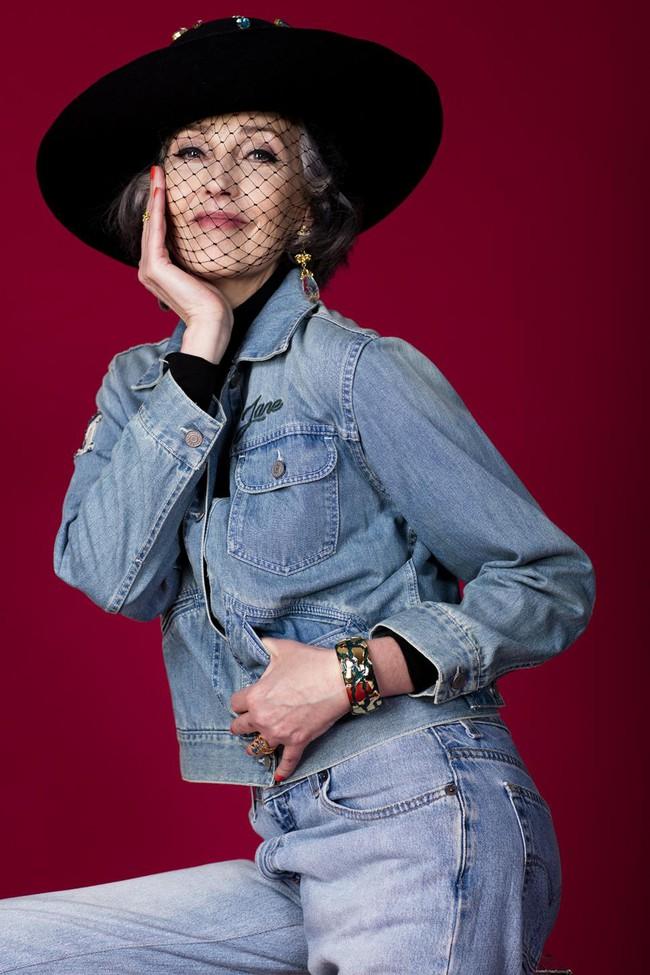Xem chùm ảnh quảng cáo nội y của người mẫu U60 này, hẳn nàng nào cũng ước mình về già cũng được sexy như vậy - Ảnh 8.