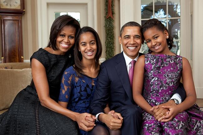 Những khoảnh khắc đáng nhớ bên vợ con của Tổng thống Obama trong 8 năm đương nhiệm - Ảnh 21.