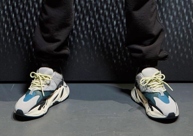Kanye West ra mắt BST Yeezy Season 5, mẫu giày Yeezy mới nhất bị chê xấu thậm tệ - Ảnh 13.