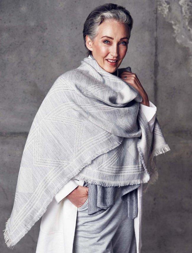 Xem chùm ảnh quảng cáo nội y của người mẫu U60 này, hẳn nàng nào cũng ước mình về già cũng được sexy như vậy - Ảnh 10.