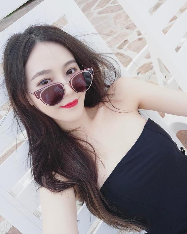 Cứ chê tóc ngôi giữa quê nhưng hot girl Thái, Trung cô nào cô nấy để tóc này đều xinh hết nấc - Ảnh 15.