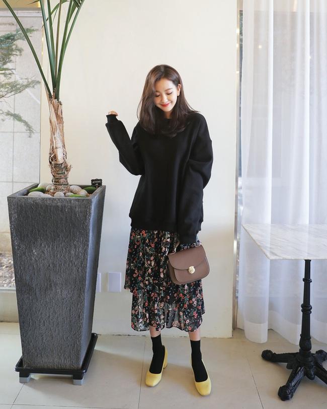 """Chân váy hoa xếp tầng chính là """"hot trend"""" của năm nay"""