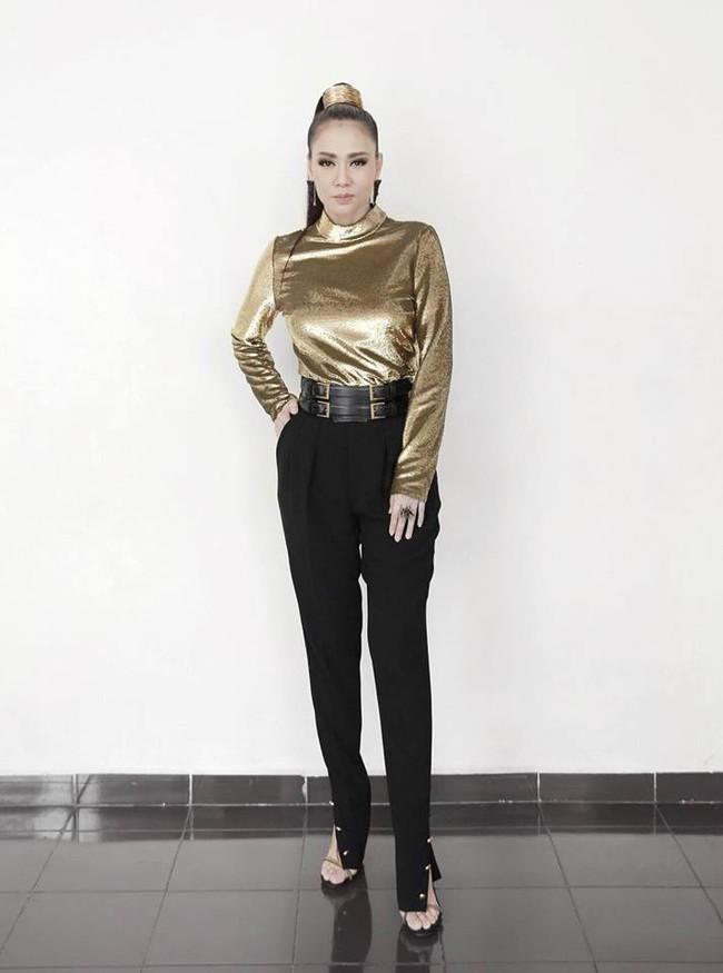 Sau 2 năm, Thu Minh lại có thêm một pha phá hàng hiệu Versace đi vào lịch sử - Ảnh 5.