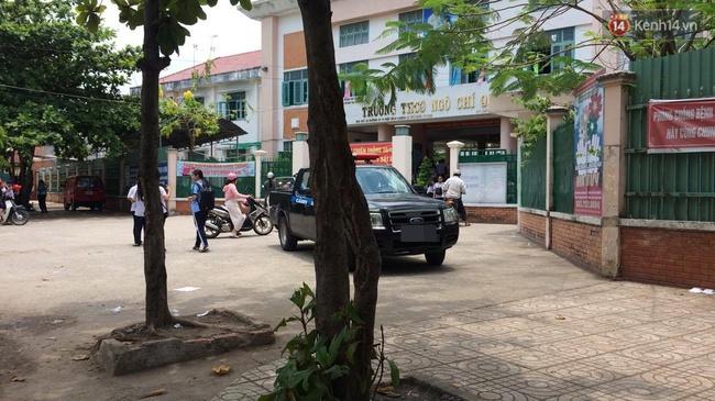Bị đánh hội đồng, nữ sinh lớp 6 ở Sài Gòn rút hung khí đâm loạn xạ khiến nhiều học sinh bị thương - Ảnh 2.