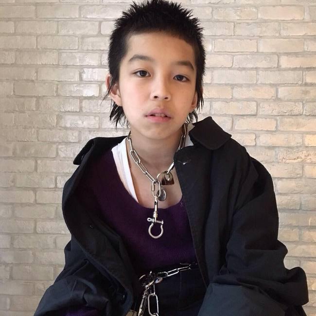 Kim Kardashian ư? Cậu nhóc 13 tuổi có style cực chất này mới là thánh selfie - Ảnh 1.