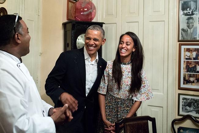 Những khoảnh khắc đáng nhớ bên vợ con của Tổng thống Obama trong 8 năm đương nhiệm - Ảnh 43.