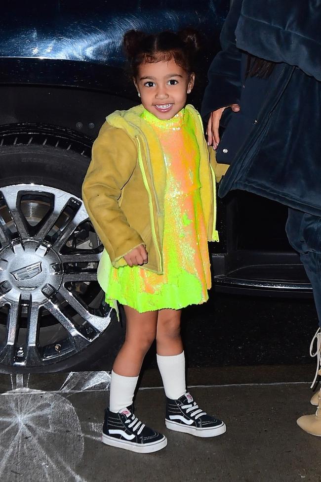 Kim - Kanye sắp ra mắt BST thời trang trẻ em, bé North đương nhiên là người diện đầu tiên - Ảnh 5.