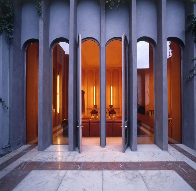 Kiến trúc sư biến nhà máy xi măng cũ thành nhà riêng, bạn sẽ nghẹt thở khi nhìn thấy nội thất bên trong - Ảnh 5.