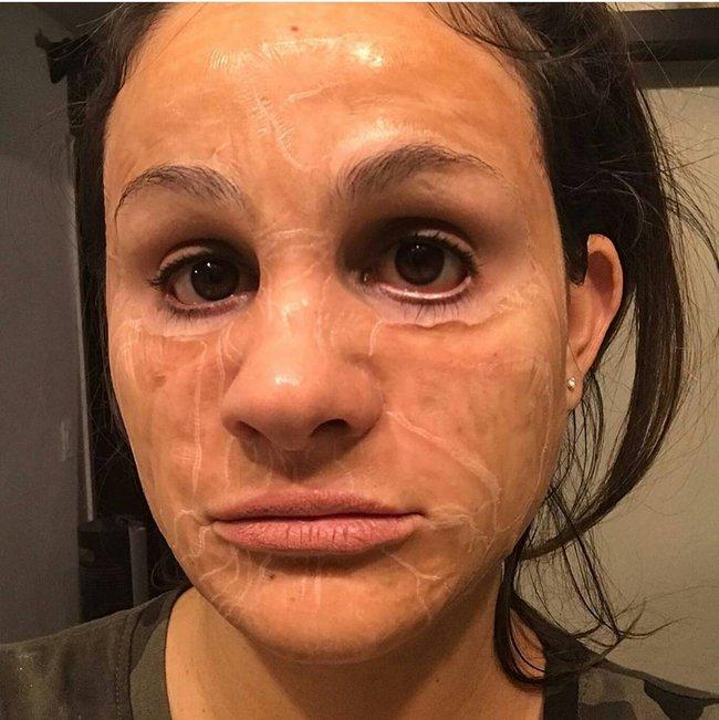 Loại mặt nạ kỳ dị khiến da bạn nhăn nheo như cụ già nhưng sau đó là căng bóng, mịn mượt như da em bé - Ảnh 3.