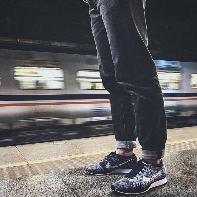 Vì sao những đôi sneaker sock-like lại đắt xắt ra miếng? - Ảnh 10.