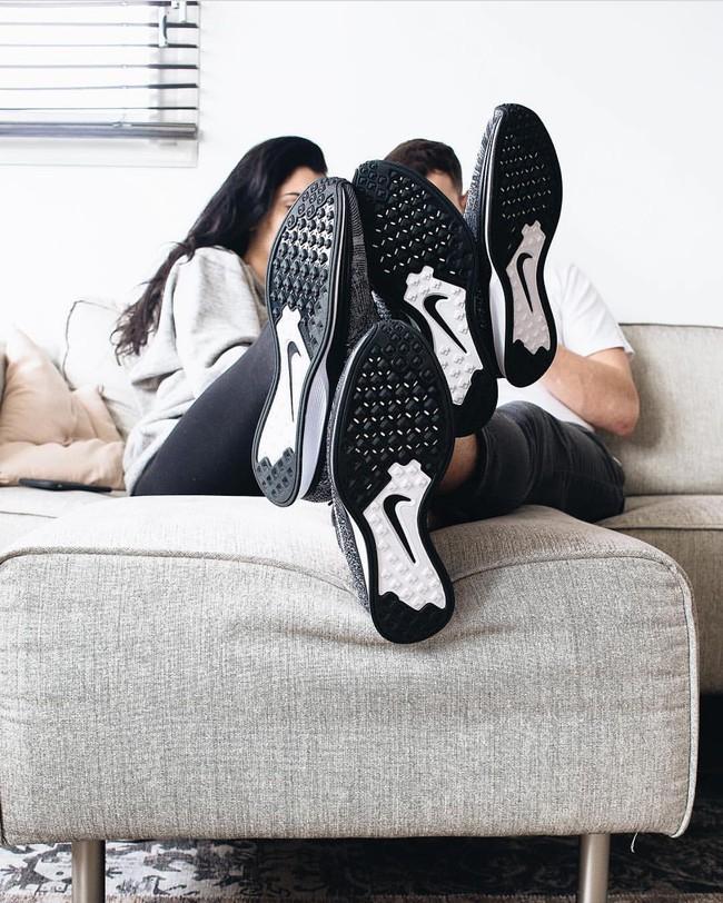 Vì sao những đôi sneaker sock-like lại đắt xắt ra miếng? - Ảnh 11.