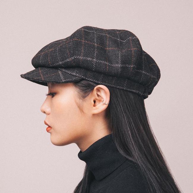 Chán diện mũ nồi, giới trẻ Hàn chuyển sang mê mệt chiếc mũ tưởng quê kiểng mà lại cực cá tính này - Ảnh 4.
