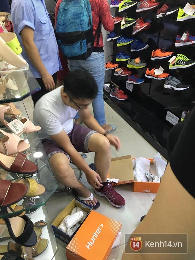 Giày Bitis Hunter của Sơn Tùng cháy hàng trên mọi mặt trận, cả hàng dài khách đăng kí chờ mua - Ảnh 15.