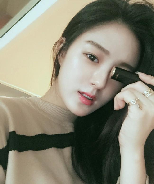 Son màu hồng đất Kim Go Eun diện trong Goblin gây sốt, con gái Hàn thi nhau sắm - Ảnh 9.