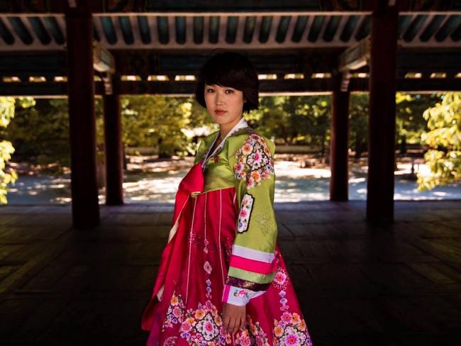 Ngắm nhìn thêm những hình ảnh về vẻ đẹp của phụ nữ trên toàn thế giới - Ảnh 11.
