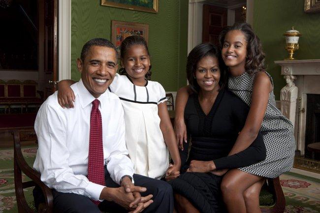 Những khoảnh khắc đáng nhớ bên vợ con của Tổng thống Obama trong 8 năm đương nhiệm - Ảnh 13.