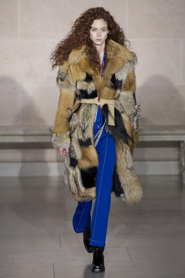 Dự show Louis Vuitton, Sehun ăn đứt Hứa Ngụy Châu về độ nam tính, được Vogue chọn là sao nam mặc đẹp nhất - Ảnh 9.