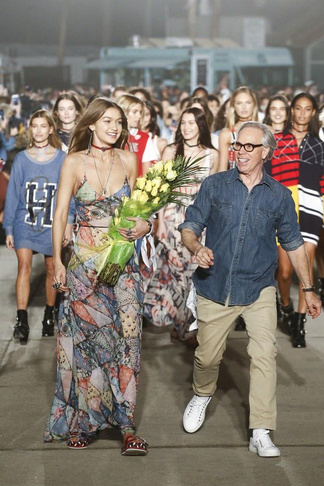 Cùng dự show Tommy Hilfiger, Jessica Jung được Vogue khen nổi bật không kém Lady Gaga - Ảnh 19.