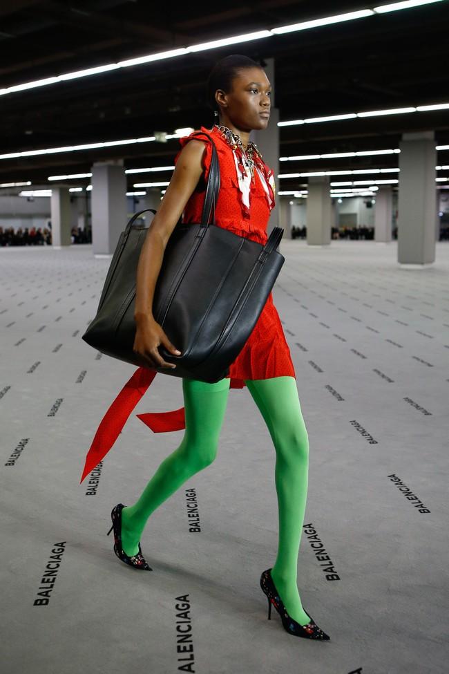 Đúng dự đoán, Dior out khỏi Top những bộ sưu tập xuất sắc nhất Tuần lễ thời trang Paris - Ảnh 9.