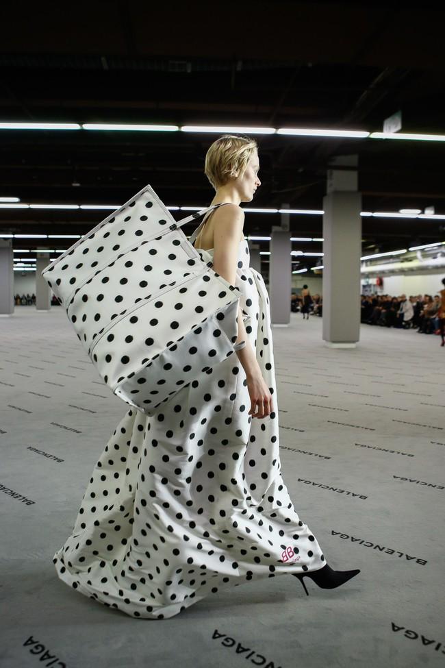 Đúng dự đoán, Dior out khỏi Top những bộ sưu tập xuất sắc nhất Tuần lễ thời trang Paris - Ảnh 10.